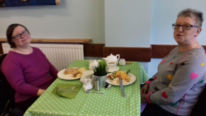 Social parents at cafe2