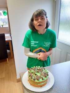 Rachael & green cake